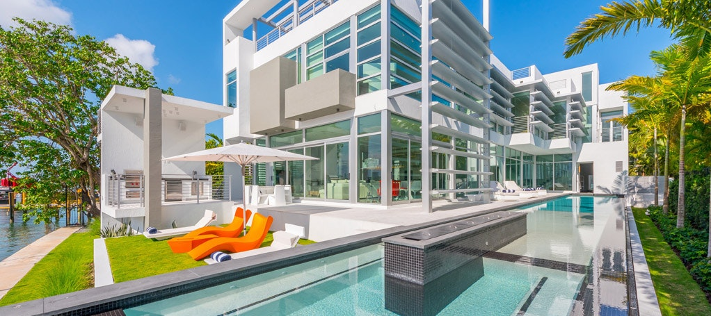 Villa Manuela luxury rental in Miami Beach