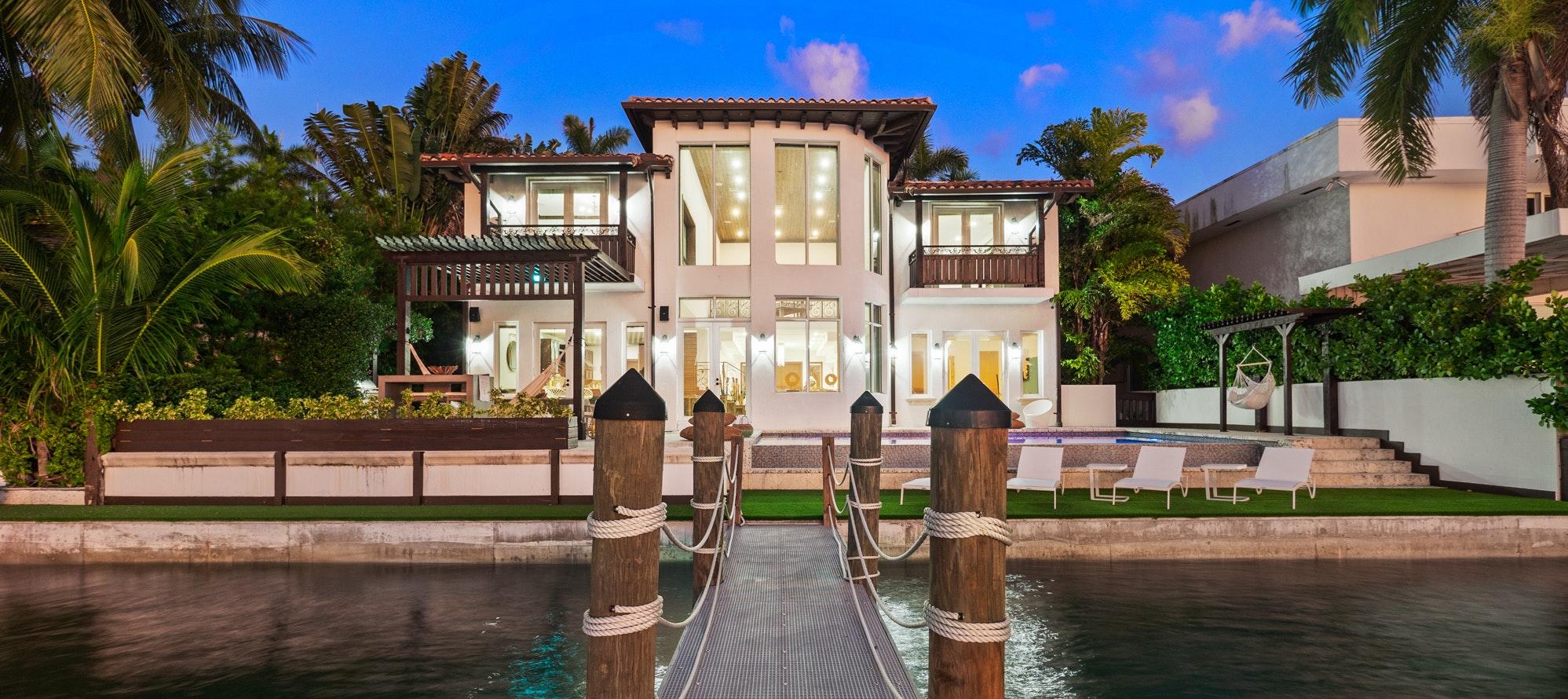 Villa Lieona luxury rental in North Bay Village