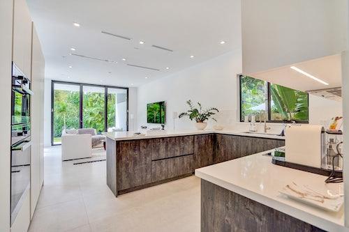 Miami Villa Grove image #2