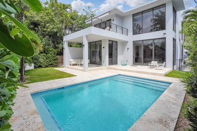 Coconut Grove Villa Grove
