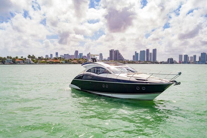 Miami 43 FT Marquis image #1