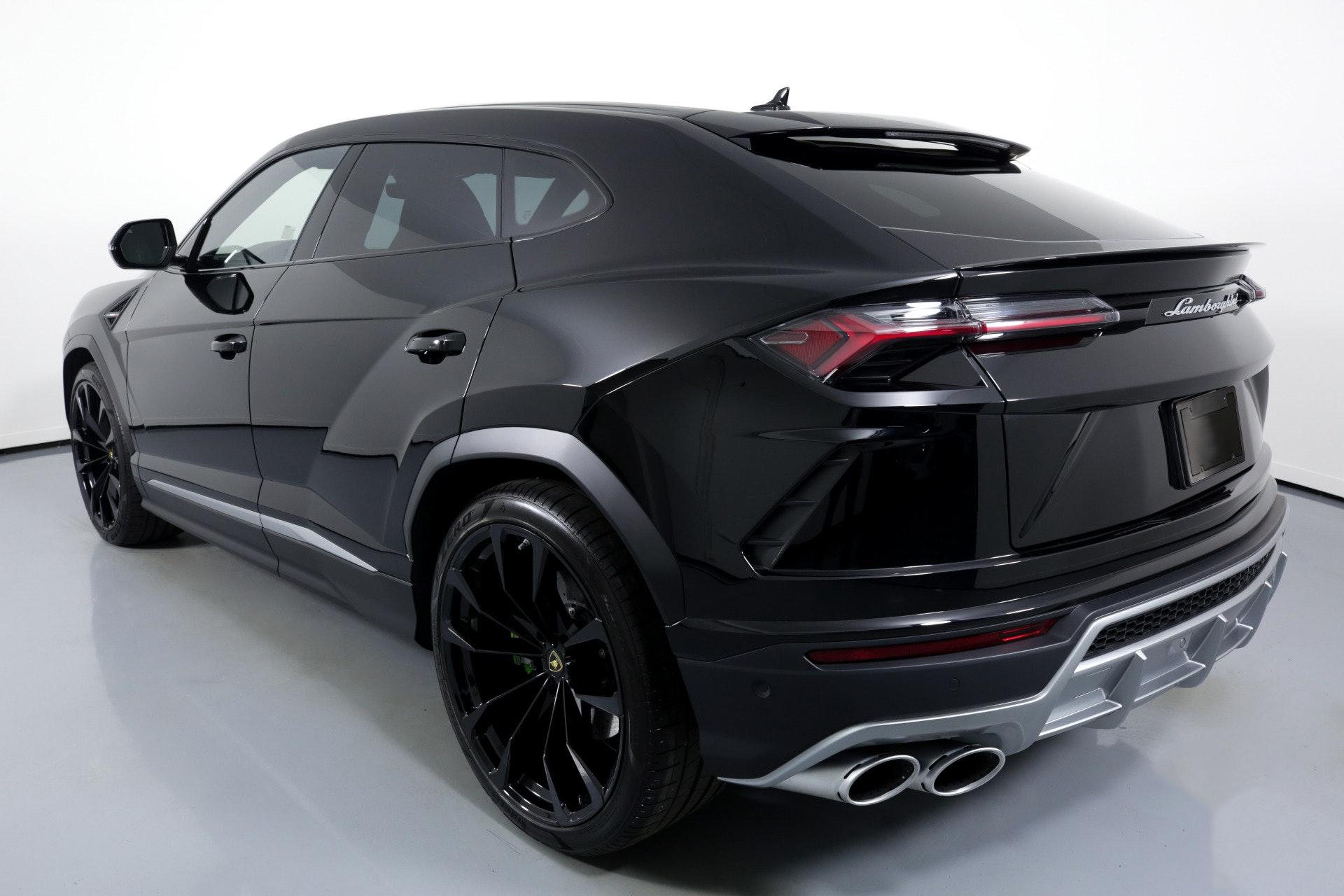 Miami Lamborghini Urus image #2