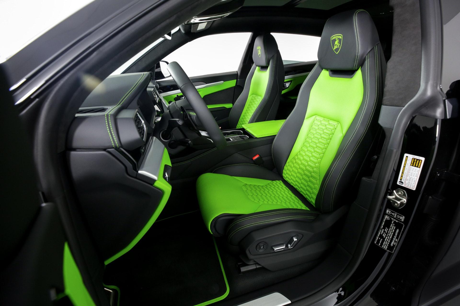 Miami Lamborghini Urus image #3